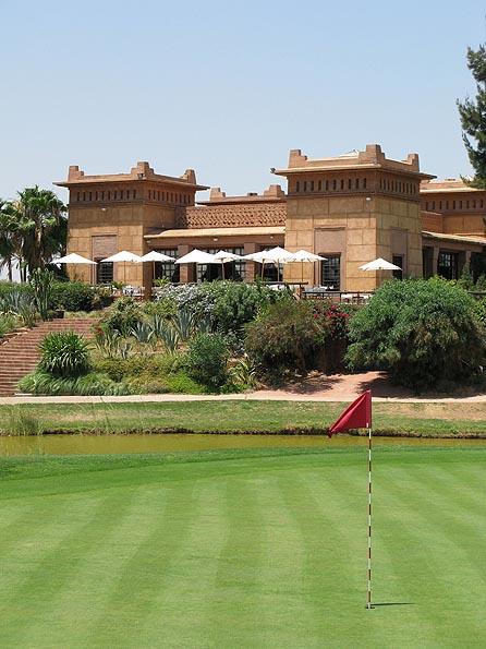 Het prachtige clubhuis van Amelkis.