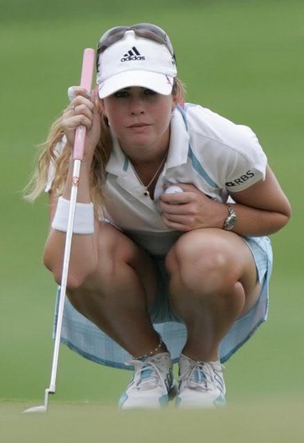 Paula Craemer heeft toch wel erg mooie benen.......