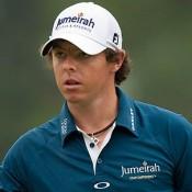 Houdt Rory McIlroy voelt de hete adem van Luke Donald in zijn nek.